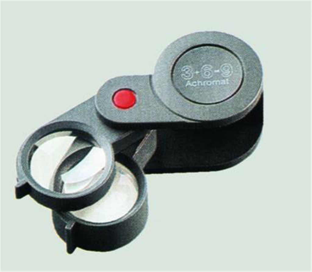Hand magnifiers, plastic, Magn ification 3x + 6x =